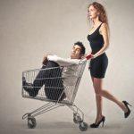 Мужчина и шоппинг